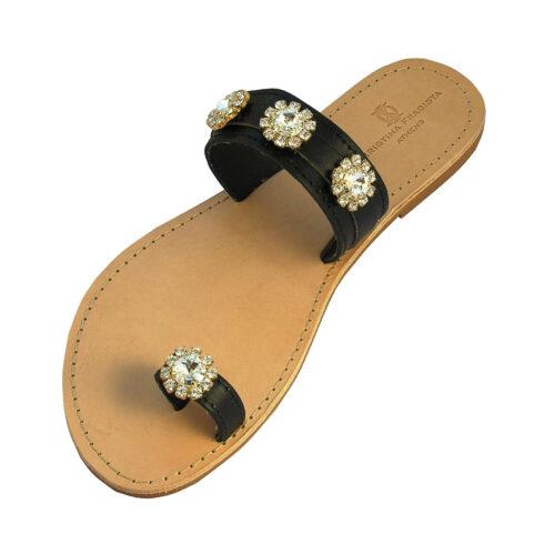 erikoussa-black-sandal